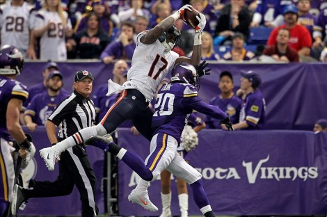 Brace Hemmelgarn/USA TODAY Sports  Chicago Bears wide receiver Alshon Jeffery (17) catches a touchdown pass over Minnesota Vikings cornerback Chris Cook (20) during the third quarter at Mall of America Field at H.H.H. Metrodome.  On the season, Jeffery caught 89 passes for a total of 1,421 receiving yards and 7 touchdowns.
